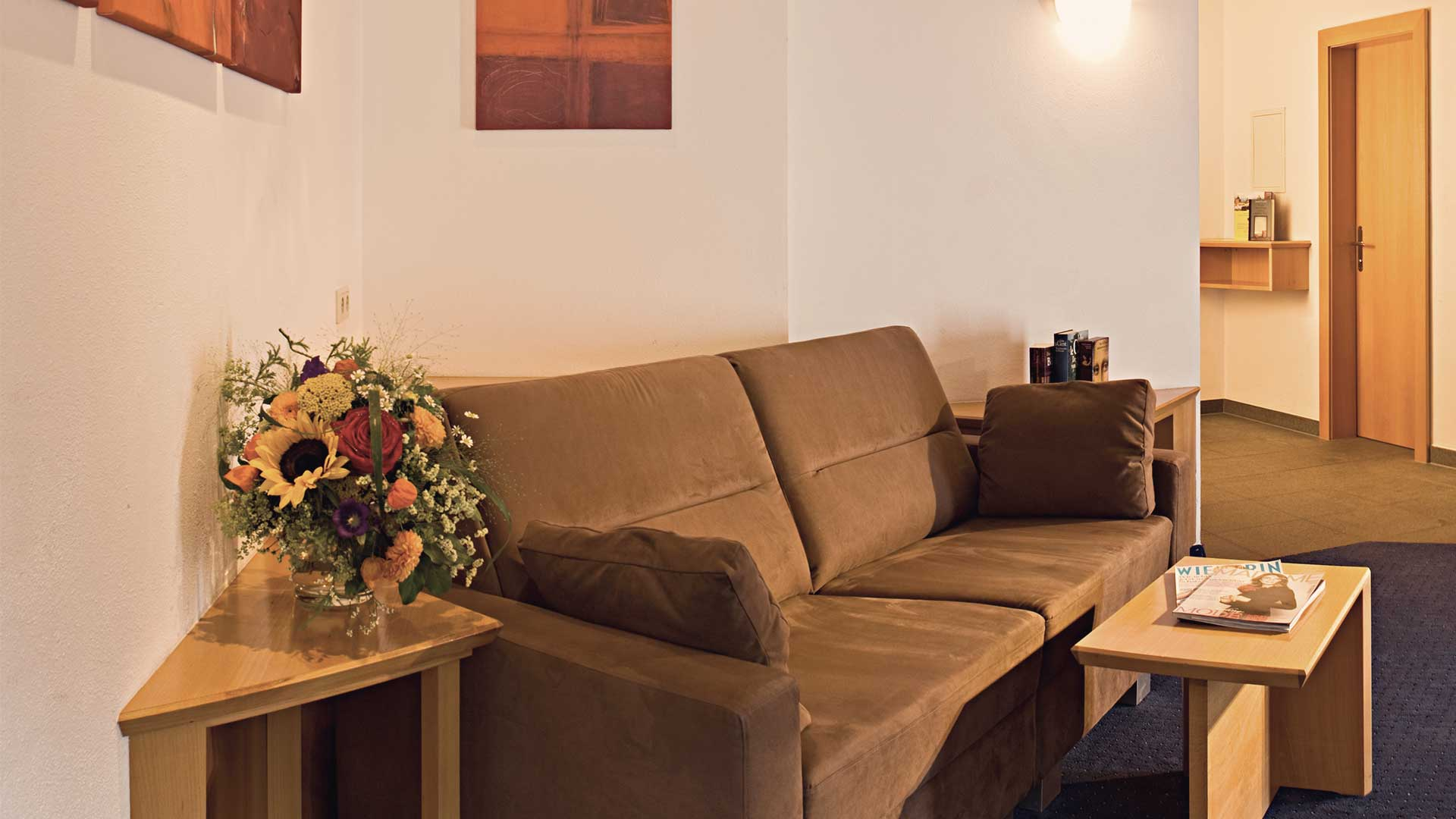 Couch Gradiva Apartments